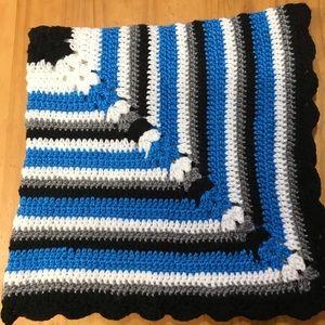"""NEW Handmade Crochet Baby Blanket 29"""" Black Blue"""